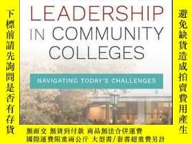 二手書博民逛書店Practical罕見Leadership in Community Colleges: Navigating T