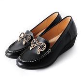 DeSire 蝴蝶結飾釦楔型鞋   -黑