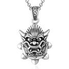《 QBOX 》FASHION 飾品【CSP423】精緻個性復古神獸平安符鑄造鈦鋼墬子項鍊/掛飾
