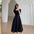 方領洋裝 黑色連身裙女2021夏裝新款氣質收腰顯瘦方領過膝長裙赫本風小黑裙 寶貝 免運