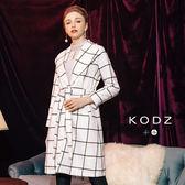 東京著衣【KODZ】溫熱系-經典羊毛率性英倫格紋設計大衣外套-附綁帶-S.M.L(172506)