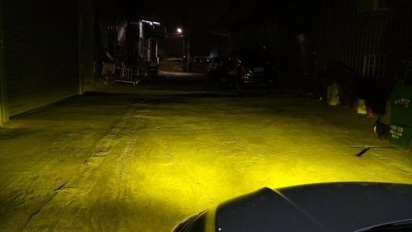 汽車專用 LED大燈 LED霧燈 三色光(白光/黃金光/鹵素黃) H8 H9 H11 H16 LED近燈 直上