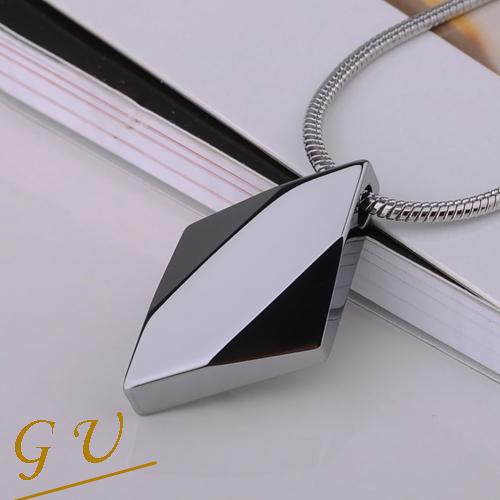 【GU】W53 男友生日禮物 超越鎢金鎢鋼西德鋼鍊鈦鋼鍊 Agloce 菱形烏玄項鍊