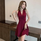 酒紅色洋裝 赫本風V領無袖性感連身裙女夏小個子收腰顯瘦高腰A字背心裙小黑裙-Ballet朵朵