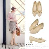 Ann'S小秘書-金色迴紋針扣飾尖頭粗跟鞋-杏