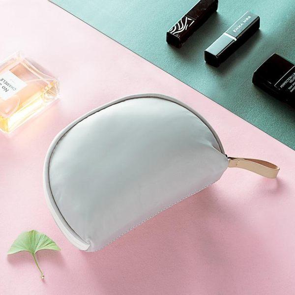 寬鬆女簡約旅行隨身防水便攜迷你化妝包PLL3984【男人與流行】