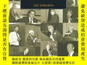 二手書博民逛書店Educating罕見For Liberty: The First Half-century Of The Int
