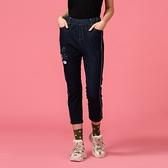 【中大尺碼】顯瘦繡線造型牛仔褲