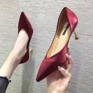紅色結婚鞋女2019新款新娘鞋尖頭高跟綢緞紅鞋百搭秀禾鞋細跟單鞋  依夏嚴選