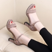 高跟涼鞋 新款高跟涼鞋女粗跟露趾防水台一字帶扣潮鞋韓版中空黑色百搭 瑪麗蘇