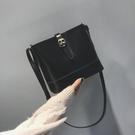 特賣 ulzzang斜挎水桶包包女春夏新款復古油皮ins超火包小包單肩包