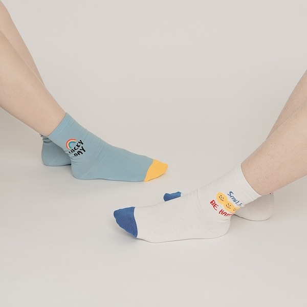 Queen Shop【07110469】手繪笑臉造型英文標語襪子 四色售*現+預*
