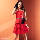 【SHOWCASE】牛仔肩腰帶荷葉斜襬緞面洋裝(紅)