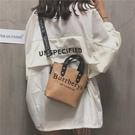 SIX夏天小包包女韓版百搭水桶包鉚釘復古斜背包寬帶單肩 奇思妙想屋