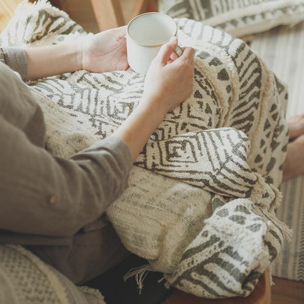 毯子 New Bohemian 印度手工編織披毯 - 圖騰【2色任選】印度製 毯 翔仔居家