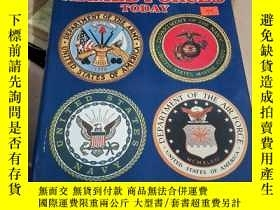 二手書博民逛書店THE罕見UNITED STATES ARMED FORCES TODAYY435061
