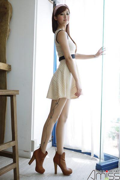 【台灣製造】流行女襪-個性圖騰艋舺刺青褲襪絲襪-桃心相戀【3202-34】雙腳側面印花