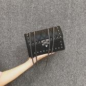 菱格斜挎包女2020秋季新款流行質感單肩包鉚釘包粗鏈條黑色ck女包 【快速出貨】