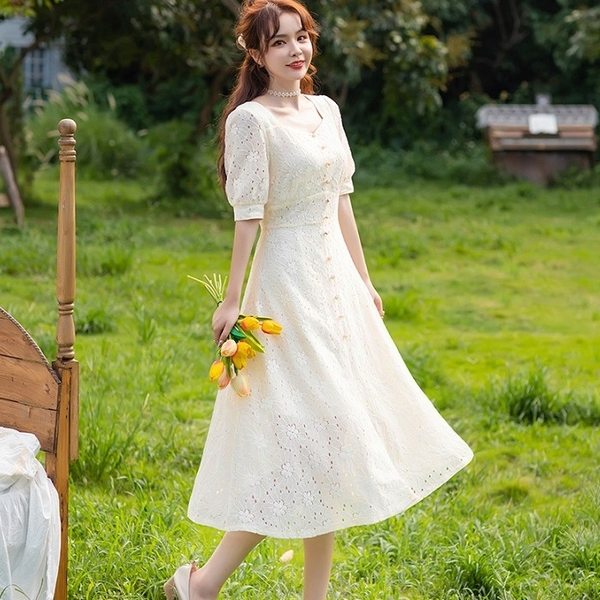 鏤空花朵方領露鎖骨棉質中長洋裝[88003-QF]美之札