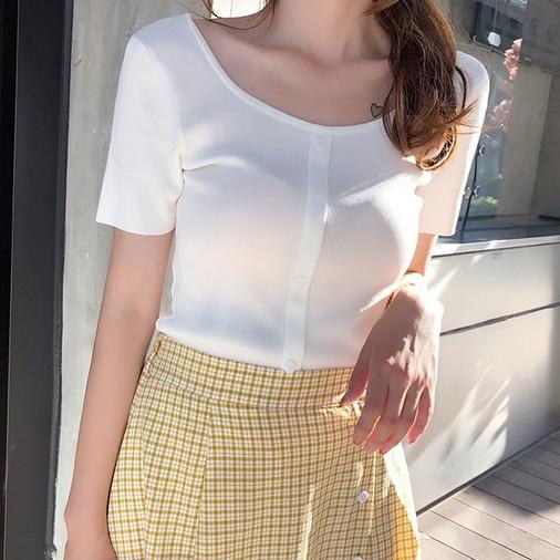 EASON SHOP(GW6010)韓版小方領純色短版前排釦短版圓領短袖針織衫T恤女上衣服彈力貼身內搭衫閨蜜裝紅