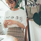 Queen Shop【01038162】女孩人頭字母短袖上衣*現+預*