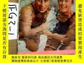 二手書博民逛書店英文原版;WORLD罕見STUDENT NEWS 1952Y3699
