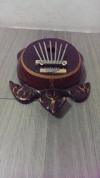 【金聲樂器廣場】全新 印度進口 海龜造型 拇指琴 / 姆指琴 / 母指琴