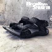 Air Walk 黑 灰 幾何線條 黏帶 涼鞋  男 (布魯克林) 2018/7月 A755230-429
