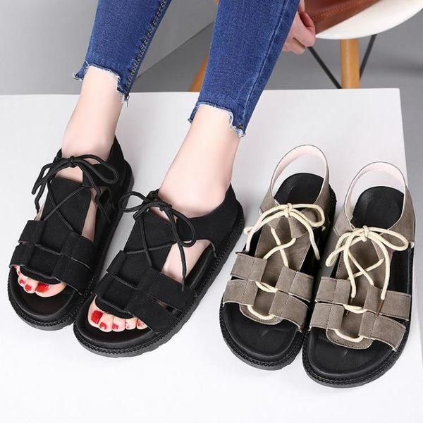2017夏季新款女生韓版休閒平底松糕厚底套腳中跟系帶涼鞋LK1476『黑色妹妹』
