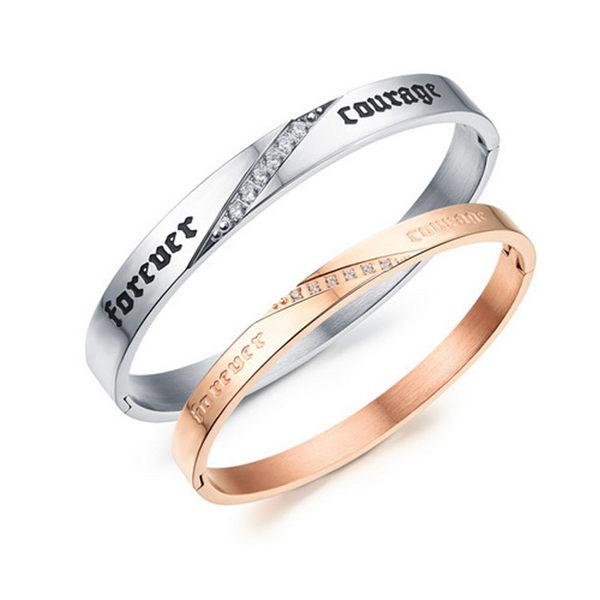 【5折超值價】【316L西德鈦鋼】最新款流行時尚特色字母鑲鑽造型情侶款鈦鋼手環