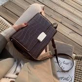 女包復古港風小包包女新款潮韓版百搭石頭紋質感斜背包時尚小方包 易家樂