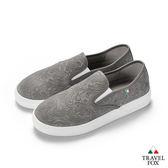 TRAVEL FOX(女) 壓紋舒適休閒懶人鞋-灰