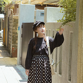 Queen Shop【01097089】氣質荷葉領剪接設計棉麻上衣 兩色售*現+預*