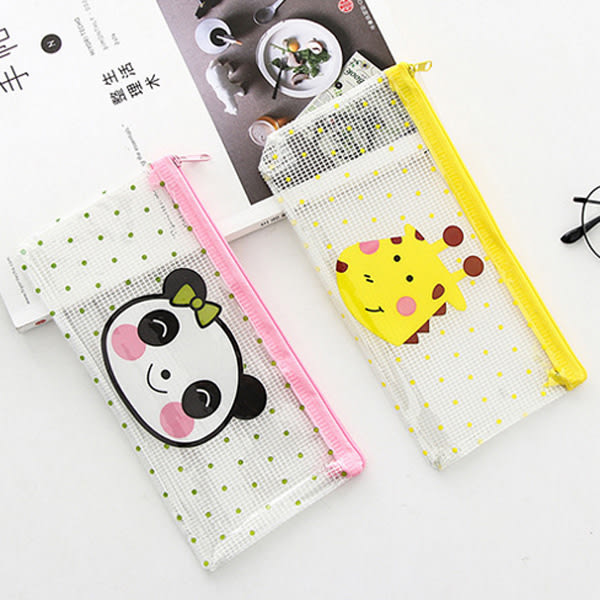 【BlueCat】長頸鹿與熊貓PVC透明點點筆袋 文件袋 收納袋 (小號)