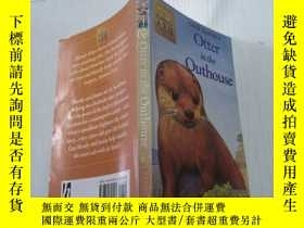 二手書博民逛書店Otter罕見in the Outhouse(水獺在屋外)Y212829