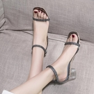 凉鞋涼鞋女夏新款水鑚透明仙女風一字扣帶高跟鞋女粗跟晚晚鞋  【快速出貨】