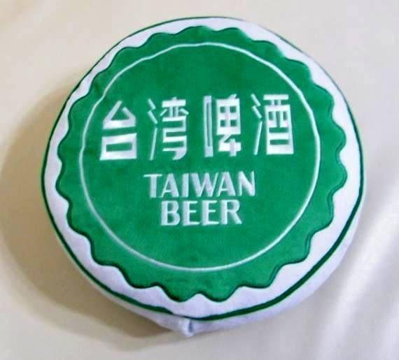 [衣林時尚]台啤音樂抱枕 30cm (台啤限量商品) TAIWAN BEER 內有喇叭 台灣啤酒抱枕
