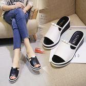 水鑽坡跟拖鞋女夏季新款韓版百搭鬆糕一字拖防水台厚底涼拖鞋 時尚芭莎