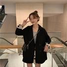 西裝外套-黑色寬鬆波點袖口女休閒西服73...