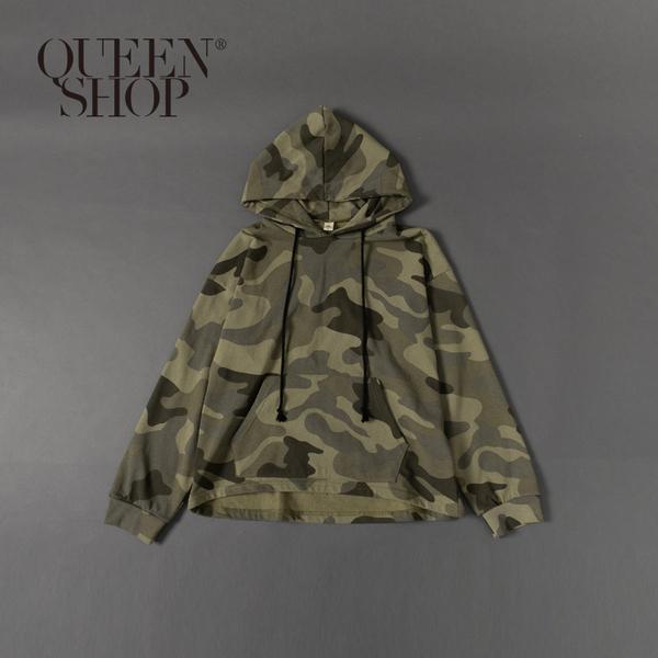 Queen Shop【01096318】滿版迷彩連帽T 1/2/3/4*現+預*