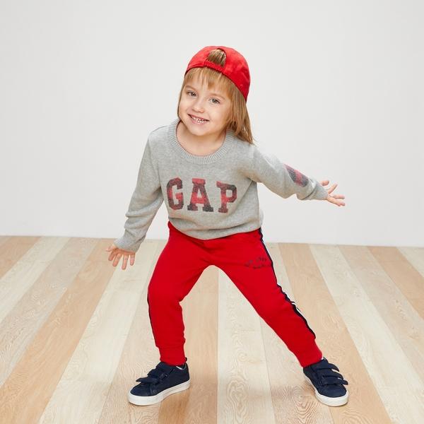 Gap男嬰幼童 logo刷毛束口褲 兒童彈力柔軟運動褲358914-摩登紅色