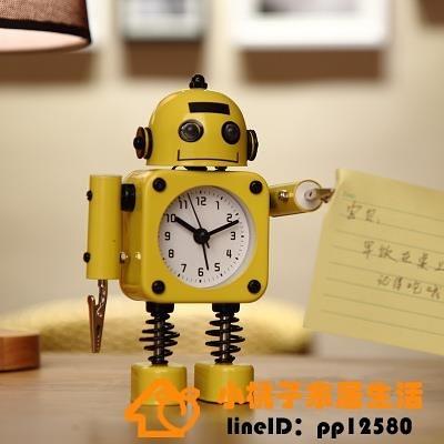 鬧鐘鬧鈴床頭可愛創意個性機器人小男孩時鐘表品牌【桃子】