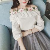 春夏新品女裝甜美氣質花朵一字領露肩上衣女七分袖顯瘦花邊白襯衫