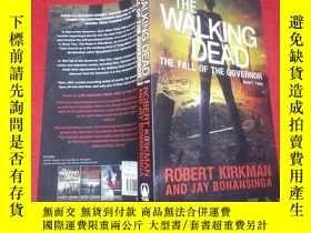 二手書博民逛書店The罕見Walking Dead: The Fall of t