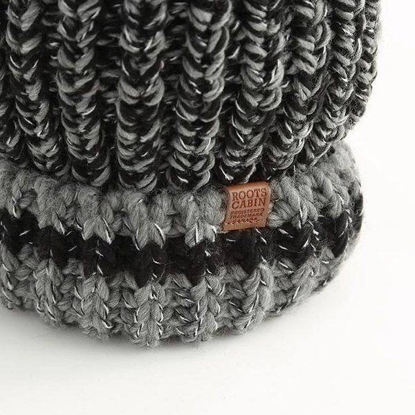 配件- 溫馨佳節毛球粗針織帽-黑色