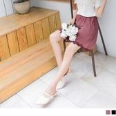 《CA1983》小法式質感壓紋拼接浪漫蕾絲腰鬆緊短褲裙 OrangeBear