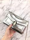 ■現貨在台■專櫃83折 ■Bvlgari 寶格麗 39796 Serpenti Forever 銀色金屬刷紋小牛皮蛇頭掀蓋包
