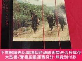 二手書博民逛書店The罕見End of the : The Siege of Khe Sanh (大32開) 【詳見圖】Y54
