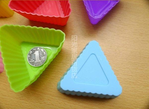 [協貿國際]   三角形矽膠蛋糕模具 3個價