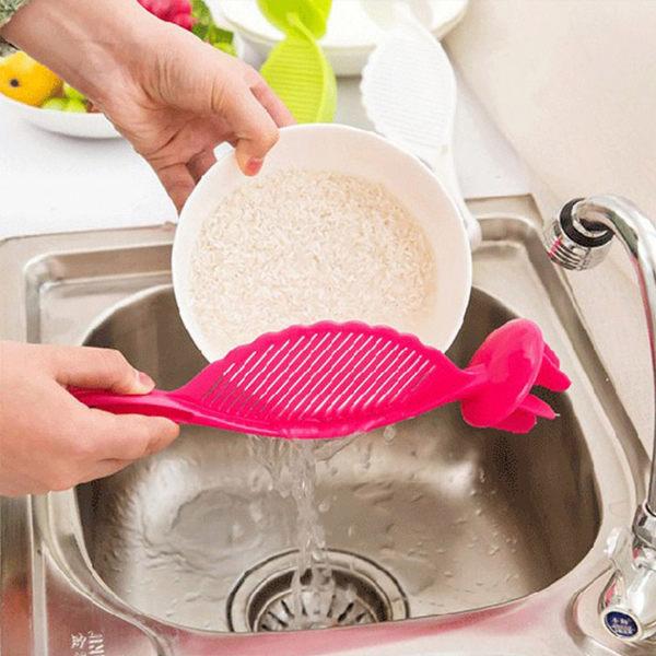 廚房用品【KFS029】廚房多功能不傷手洗米器 廚房用具 洗米器 掏米器 不傷手洗米器-123ok